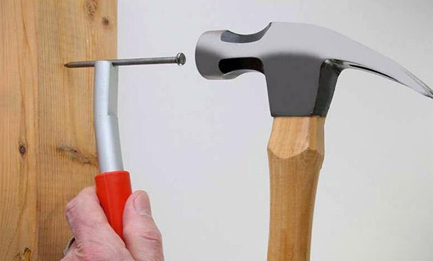 ThumbSaver Magnetic Nail Setter