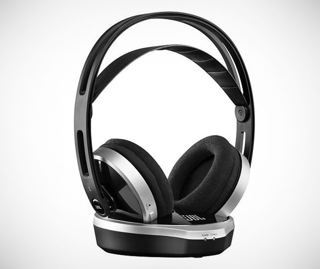JBL WR2.4 Headphones