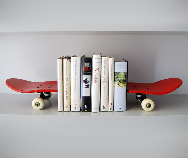 Tail & Nose Bookends
