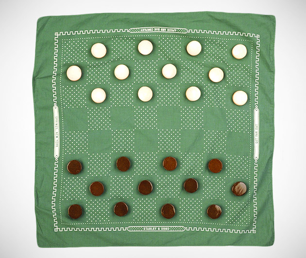 Stanley & Sons Beach Checkers Set