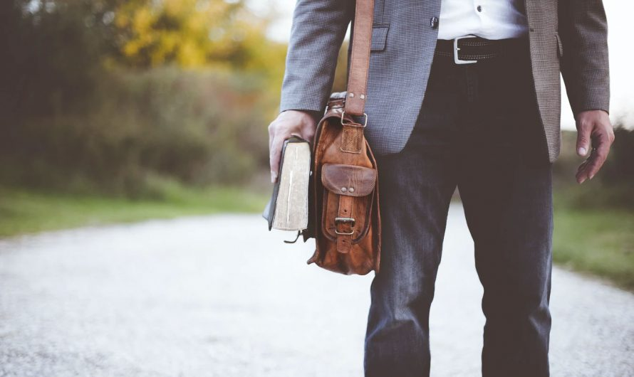 Physical and Soft Gear You Need for Job Hunting in Australia