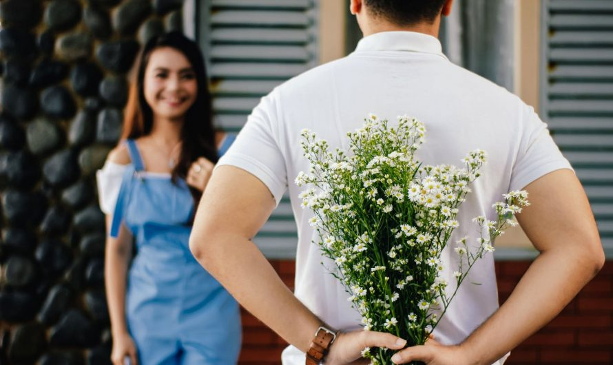 How to Buy the Right Flowers – Essential Guide for Men
